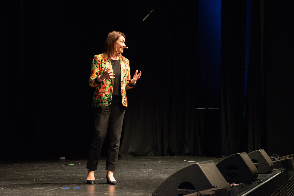 female guest speaker at the Australian Primary Principals Conference